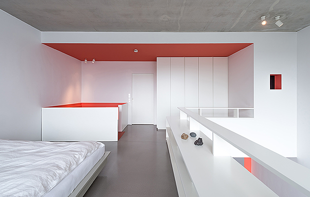loft in berlin mfg. Black Bedroom Furniture Sets. Home Design Ideas